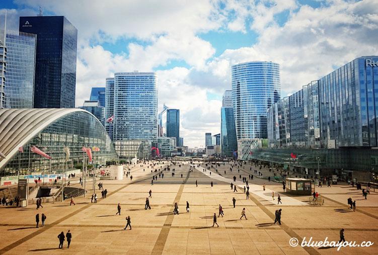 Fotoparade City: La Défense in Paris.