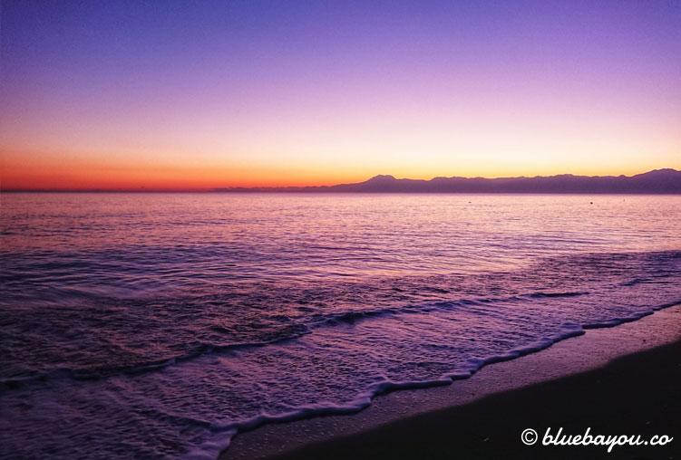 Fotoparade Sonnenuntergang: Traumhafte Abende am Meer in der Türkei.