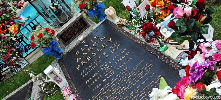 Elvis Presley Grab auf dem Graceland Anwesen in Memphis