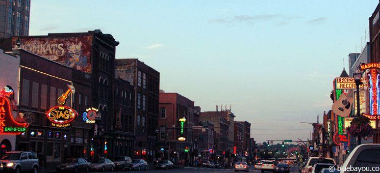 Nashville Broadway am Abend