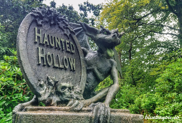 Haunted Hollow im Freizeitpark Alton Towers.
