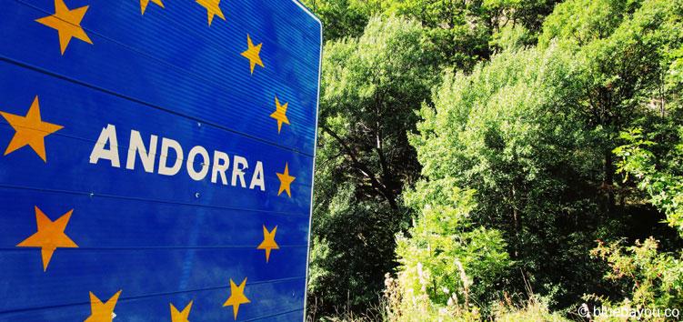 Das Andorra-Länderschild auf dem Weg von Bixessarri nach Os de Civis in Spanien.