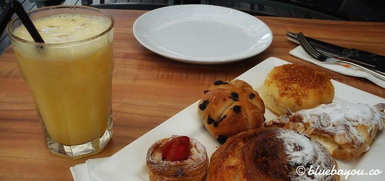 Essen beim Trip mit dem Around-the-World-Ticket: beim Bäcker in Kuala Lumpur.