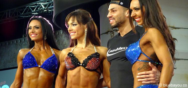 Drei Contest-Gewinnerinnen auf der FIBO Power im Bikini.
