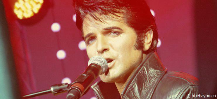 Dean Z in Blackpool. Der erfolgreiche Elvis-Interpret im Lederanzug während seiner Jam-Session.