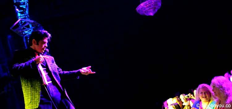 Dean Z am zweiten Konzertabend der Elvis Week im New Daisy Theater in Memphis.