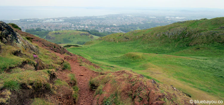 Edinburgh: Der Weg des Soloreisens mag teils schwierig aussehen, ist aber wunderschön!