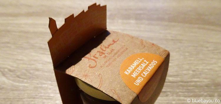 Die Praline im Glas von Goldhelm als Geschenk für Schokoladenliebhaber.