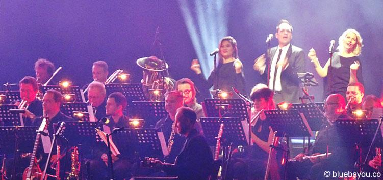 Ein Teil des Czech National Symphony Orchestra in Berlin bei Elvis in Concert.