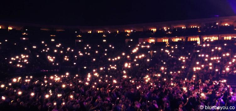 Das Publikum ist vom Czech National Symphony Orchestra in Berlin bei Elvis in Concert begeistert.
