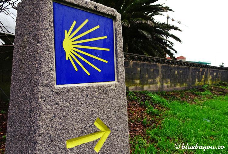 Mein erstes Jakobsweg-Schild nach der Ankunft in Ribadeo.
