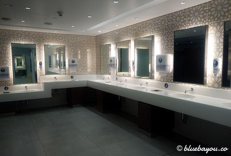 Leere Toiletten am Flughafen DXB in Dubai: selten ist hier viel los.