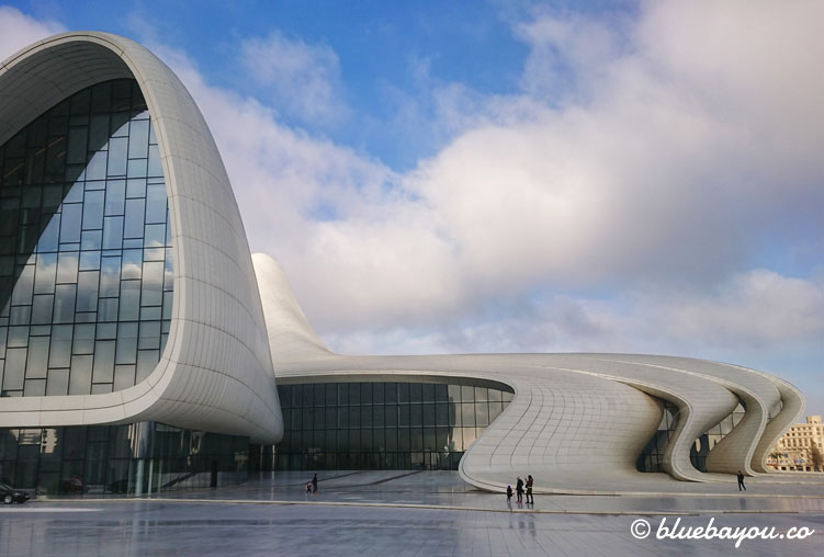 Fotoparade: Das Heydar-Aliyev-Zentrum in Baku, Aserbaidschan.