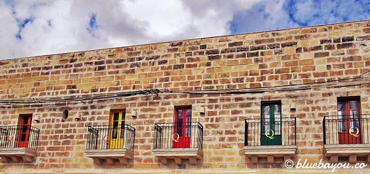 Im malerischen Fischerdorf Marsaxlokk auf Malta ist dieses bunte Haus zu finden.