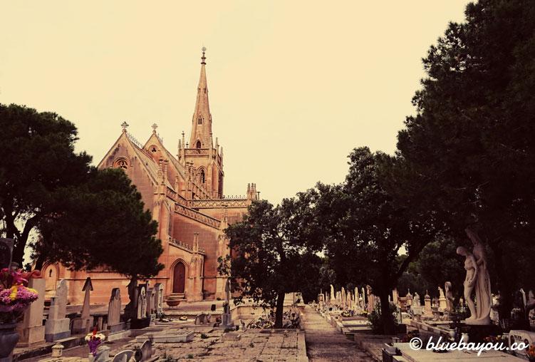 Der Addolorata-Friedhof auf Malta mit der Chapel of Our Lady.