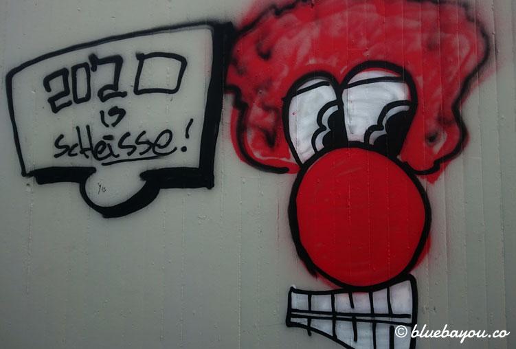 Corona-Graffiti: 2020 ist scheiße!