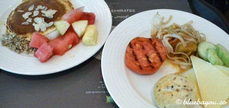 Frühstück am dritten Tag der halben Weltreise mit dem Around-the-World-Ticket.