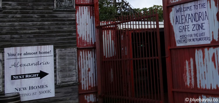 The Walking Dead Breakout: Eingang der ganzjährigen Attraktion im Movie Park Germany.