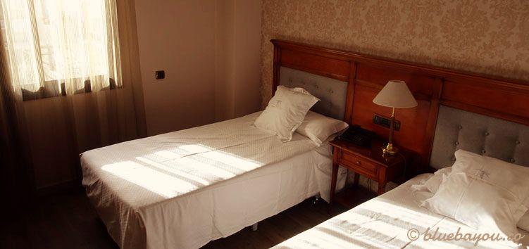 Hotelzimmer in Barcelona: Ich freue mich, jeden Abend auf dem Jakobsweg ein gutes Zimmer zum Schlafen zu haben.