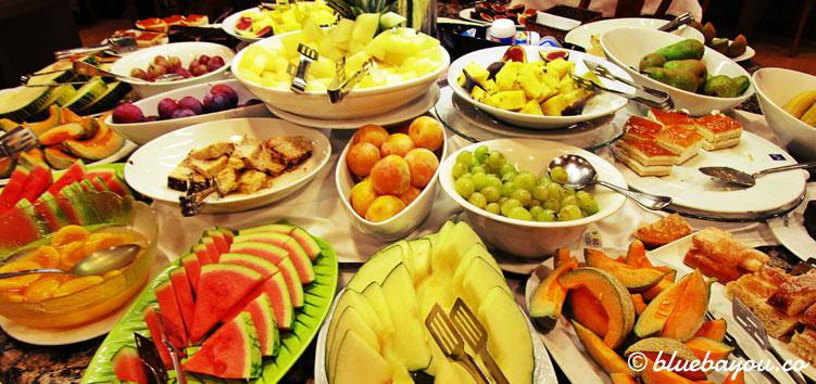 Jede Menge gesundes Essen beim Buffet im 4-Sterne-Hotel Nordic in Andorra.