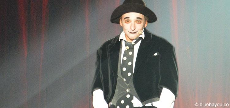 Der Clown Housch-ma-Housch begeisterte das Publikum des Roncalli Weihnachtscircus in Berlin.