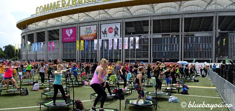 Jumping Fitness beim World Fitness Day 2017 mit hunderten Trampolinen.