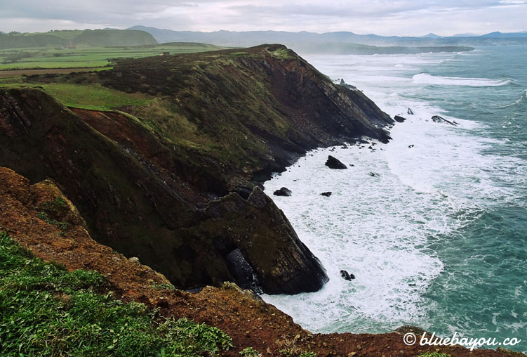 Der Küstenweg in Spanien beeindruckt mit tollen Ausblicken.
