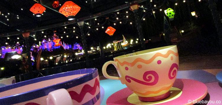 Mad Hatter's Tea Cups - es geht rund im Disneyland Paris.