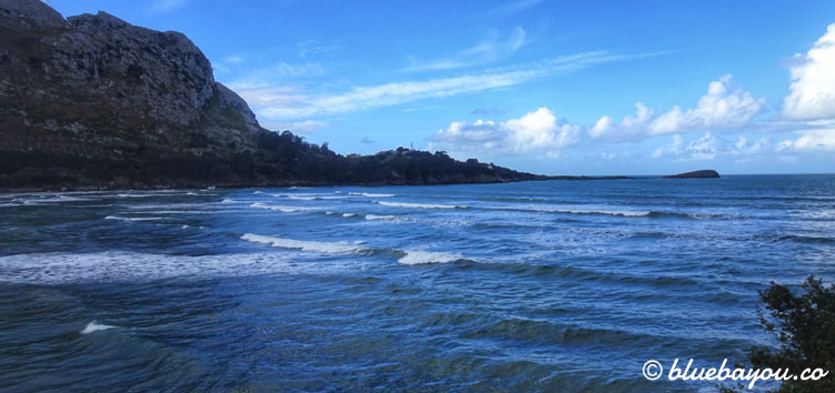 Blick aufs Meer entlang des Camino del Norte.