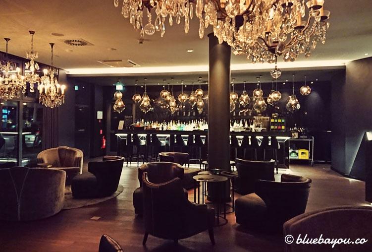 Die One Lounge des Motel One Berlin-Bellevue.