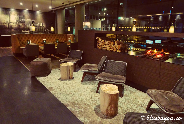 Die One Lounge des Motel One London-Tower Hill in England.