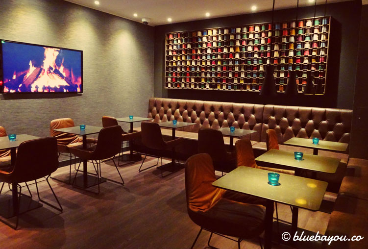 Die One Lounge des Motel One Manchester-Royal Exchange in England.