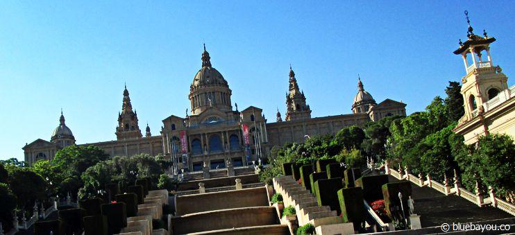 Der Weg zum Museu Nacional d'Art de Catalunya in Barcelona.