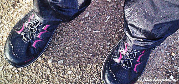 Pure Dankbarkeit: die Schuhe von Lowa haben mir den Jakobsweg gerettet und niemals Wasser durchgelassen.