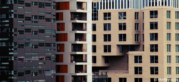 Neubauten in Oslo gegenüber der Oper.