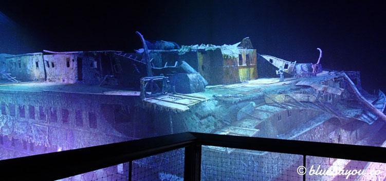Das Panometer Leipzig ermöglicht dank des mittigen Turms einen Blick auf das oberste Deck der gesunkenen Titanic.
