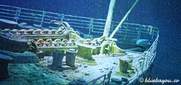 Der Bug der gesunkenen Titanic im Panometer Leipzig.