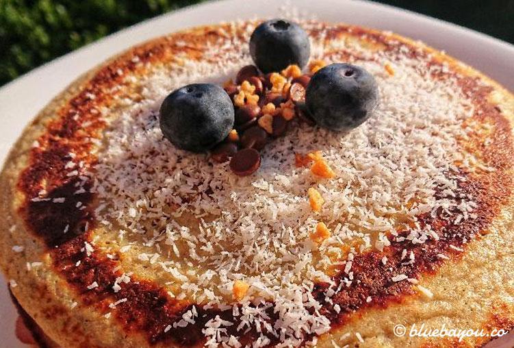 Kreativ wurde auch der Belag meiner Protein-Pancakes: Lachsschinken und Proteinjoghurt.
