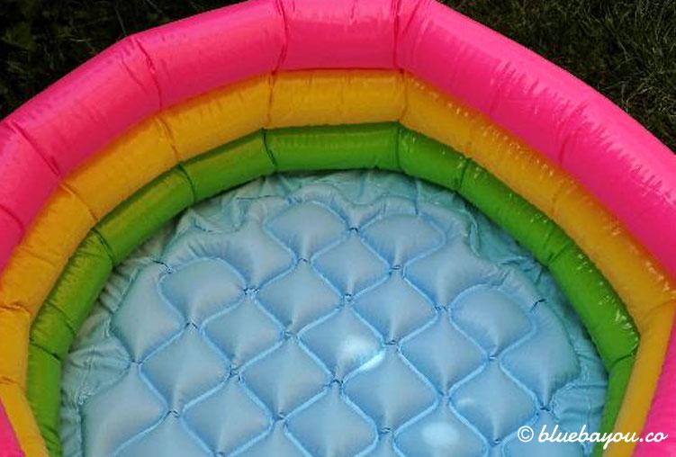 Während des Corona-Stillstands habe ich einen Pool für meine Beine bestellt.