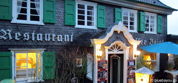 Restaurant Café Voigt auf Schloss Burg von außen.