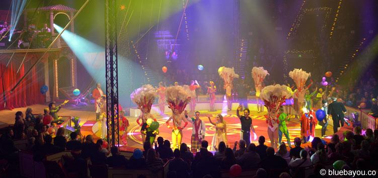 Das Finale des Roncalli Weihnachtscircus im Tempodrom in Berlin.
