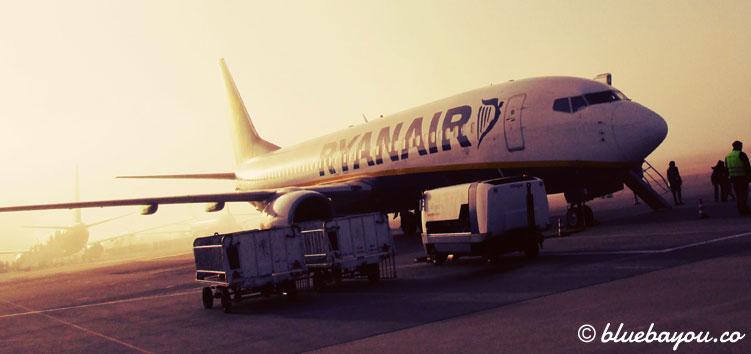 Ryanair-Flugzeug: Wie günstig sind Städtetrips mit Billigfliegern wirklich?