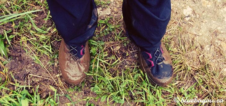 Schlamm auf dem Jakobsweg im Februar in Spanien - dank guter Schuhe kein Problem.