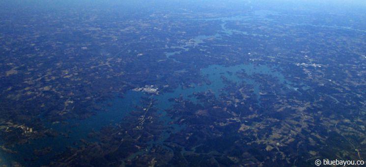 Blick auf den Lake Hartwell Stausee in Georgie und South Carolina.