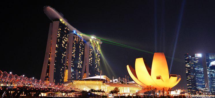 Blick auf das Marina Bay Sands Hotel in Singapur.