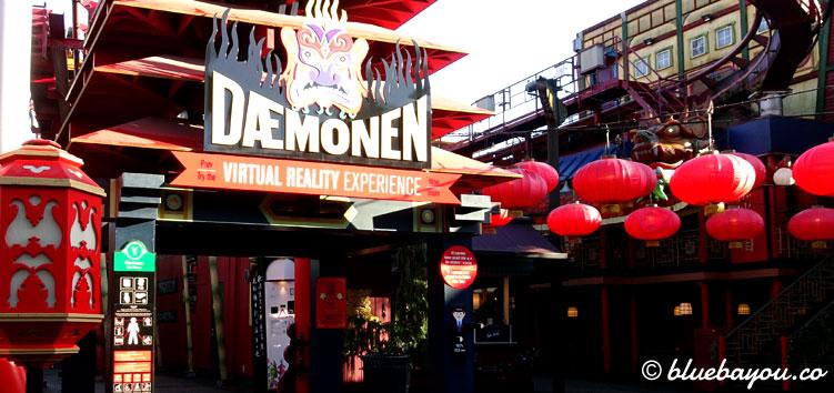 """Der Eingang zur Virtual-Reality-Achterbahn """"The Demon"""" in Tivoli, Kopenhagen."""