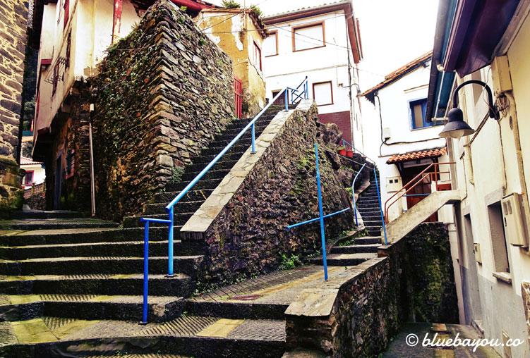 Überall Treppen in Cudillero.