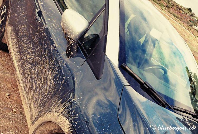 Der verschlammte Mietwagen auf Gran Canaria: der Roadtrip war spaßig.