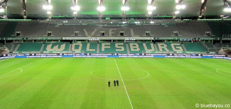 Die Volkswagen Arena nach der Heim-Niederlage gegen den BVB.
