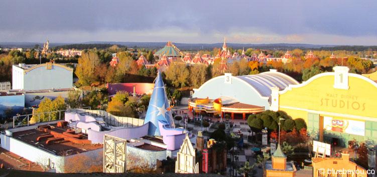 Ausblick über Disneyland Paris vom Tower of Terror aus.